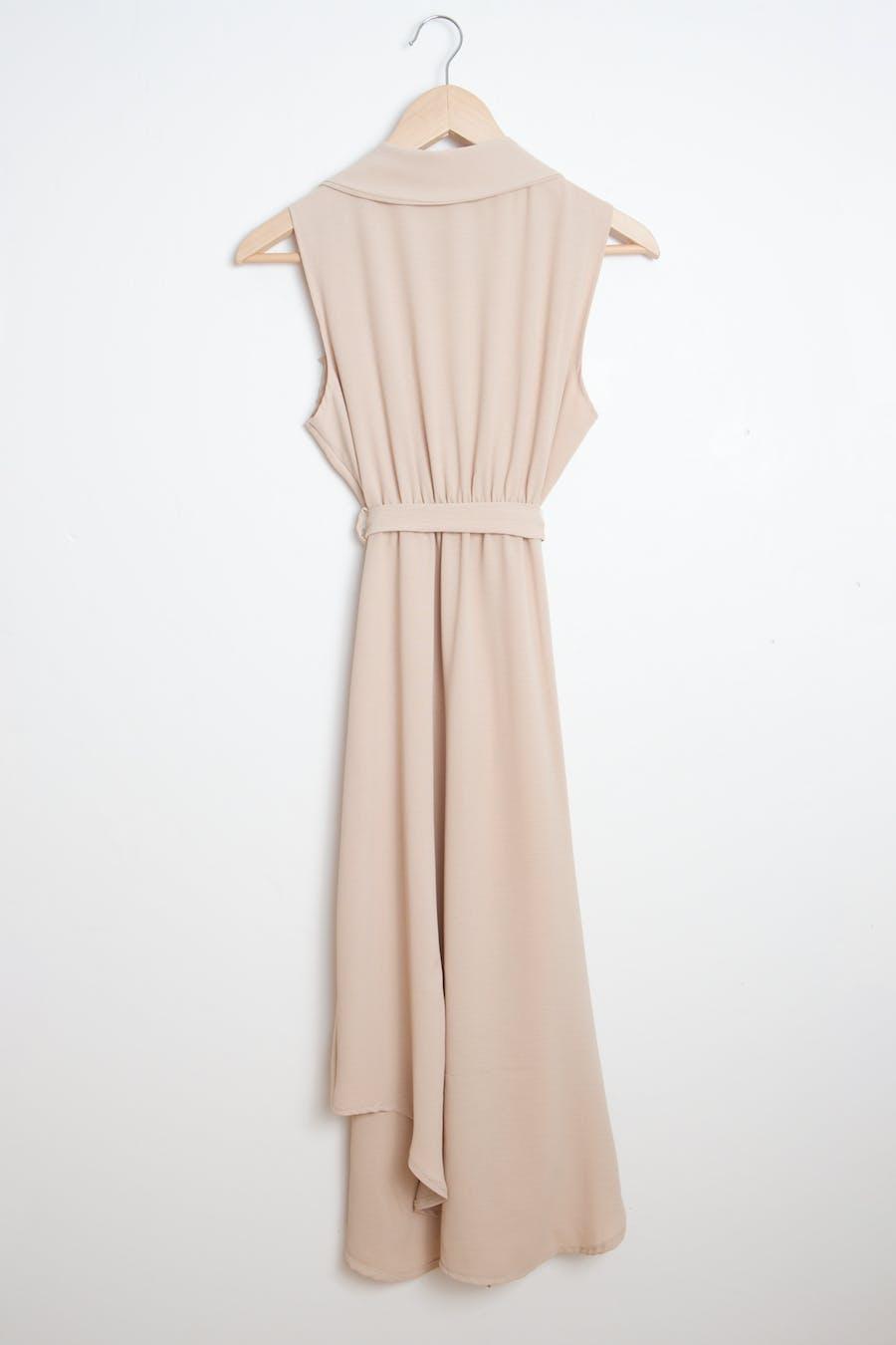 Vestido abertura beige