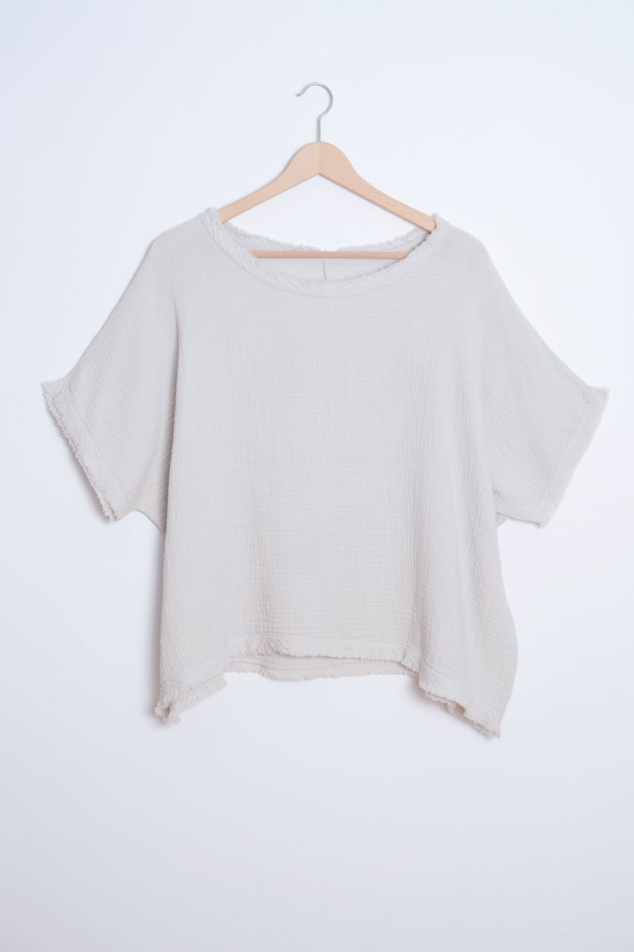Camiseta costuras beige