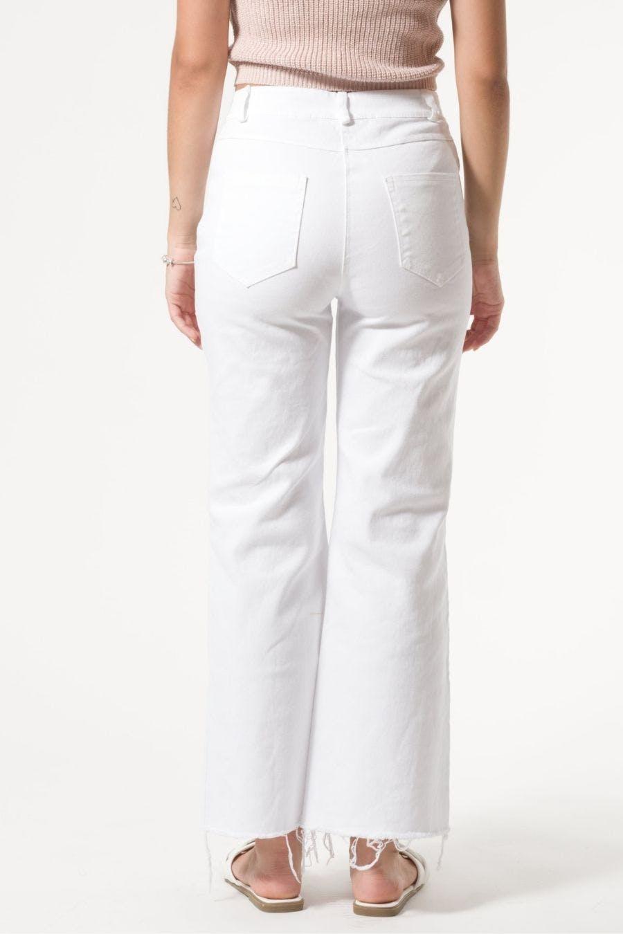 Pantalón detalle rotos