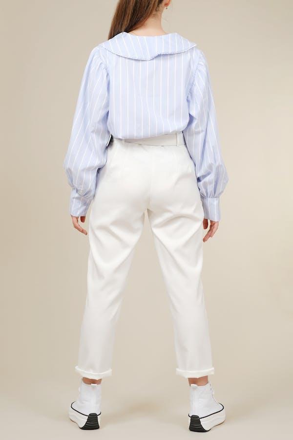Pantalón blanco con cinturilla paperbag