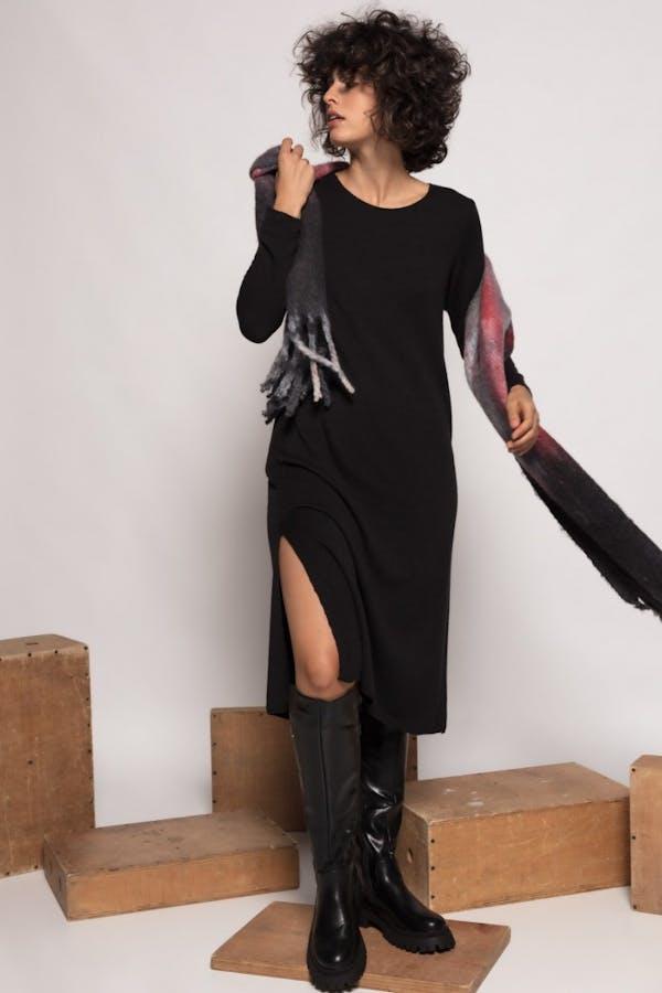 Vestido Cassual largo con lana Negro