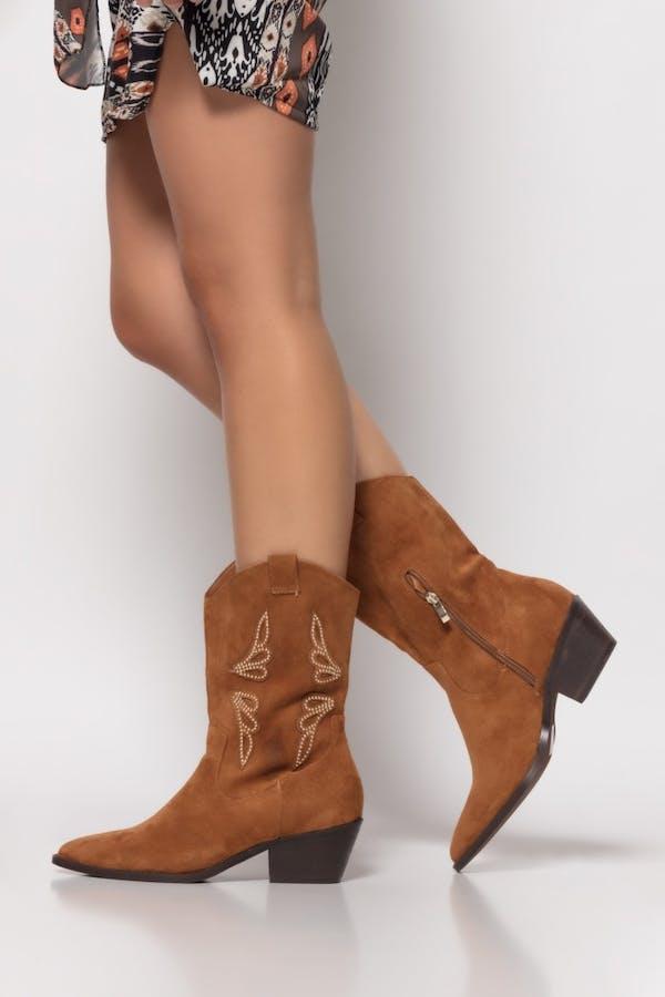 Bota Cassual cowboy tachas