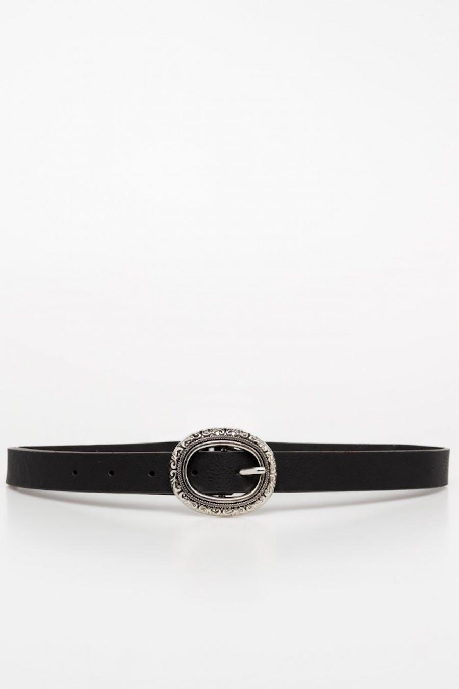 Cinturón negro modelo fino