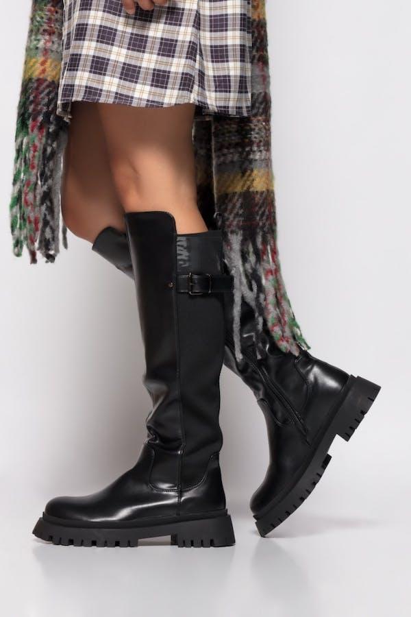 Bota Cassual engomada y tejido elástica Negro