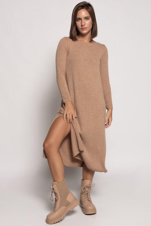 Vestido Cassual largo con lana Camel
