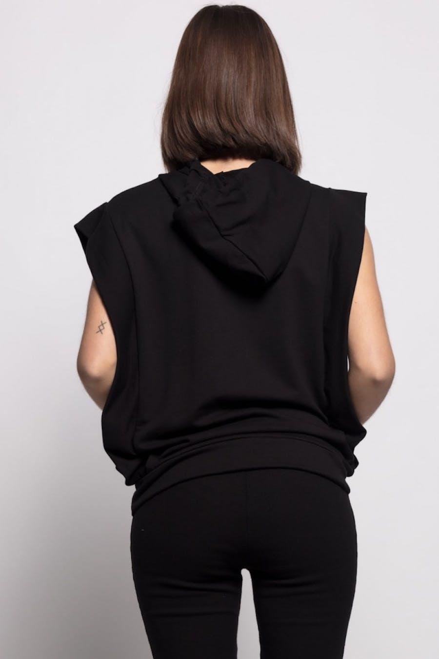 Camiseta Cassual capucha cordón Negro
